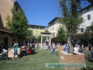 Piazza della Sala con il giardino