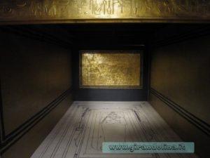 L'interno del sepolcro reale