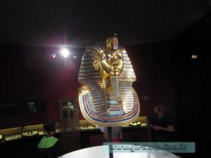 La famosa maschera funeraria di Tutankhamon