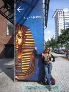 Girandolina all' entrata della Mostra di Tutankhamon