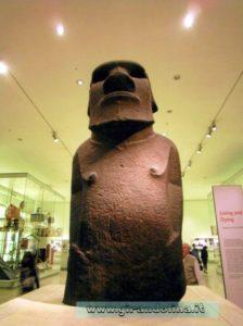 Statua Hoa Hakananai'a dell' Isola di Pasqua