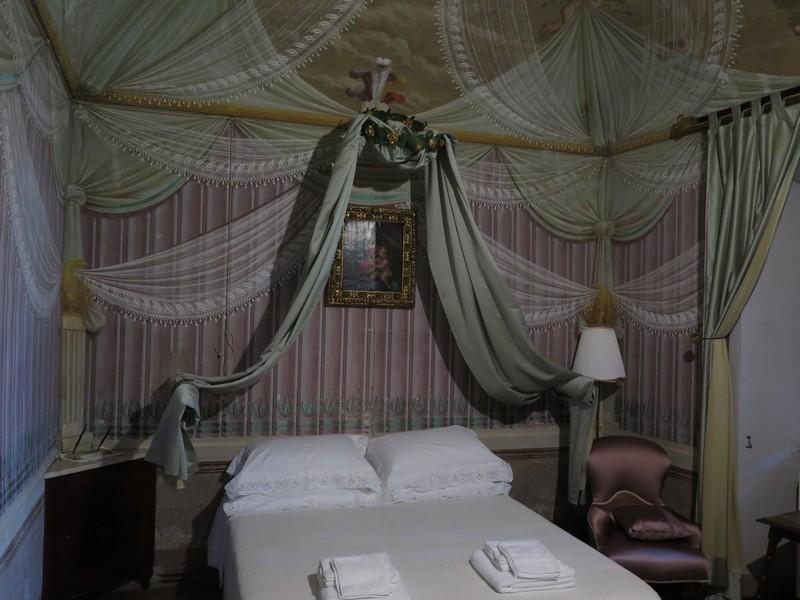 La camera Contessa Eponina del Palazzo Tombesi Trecci