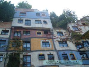 Il complesso abitativo Hundertwasser Haus