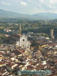 Dalla terrazza del Duomo, la Chiesa di Santa Croce