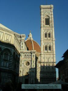 Campanile di Giotto, Piazza Duomo