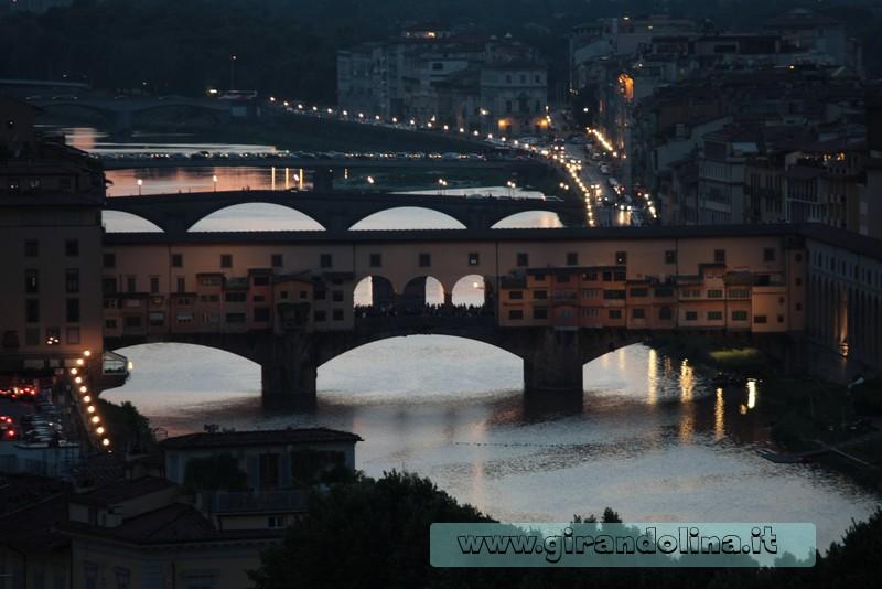 Il Ponte Vecchio, visto dal Piazzale Michelangelo di Firenze