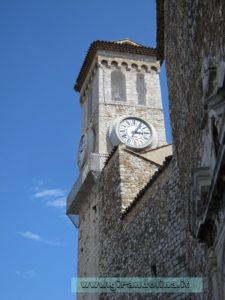 Piazza della Castre,la Chiesa di Notre Dame de l'Esperance