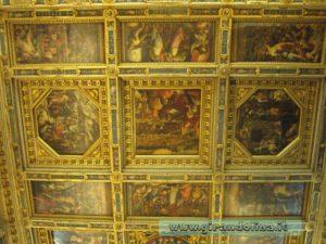 Il soffitto decorato a cassettoni della Sala dei Cinquecento , interno Palazzo Vecchio
