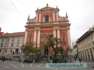 Piazza Presernov, con la Chiesa Francescana dell 'Annunciazione