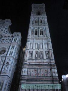 Campanile di Giotto in notturna