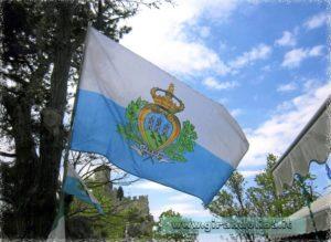 La bandiera della Repubblica di San Marino