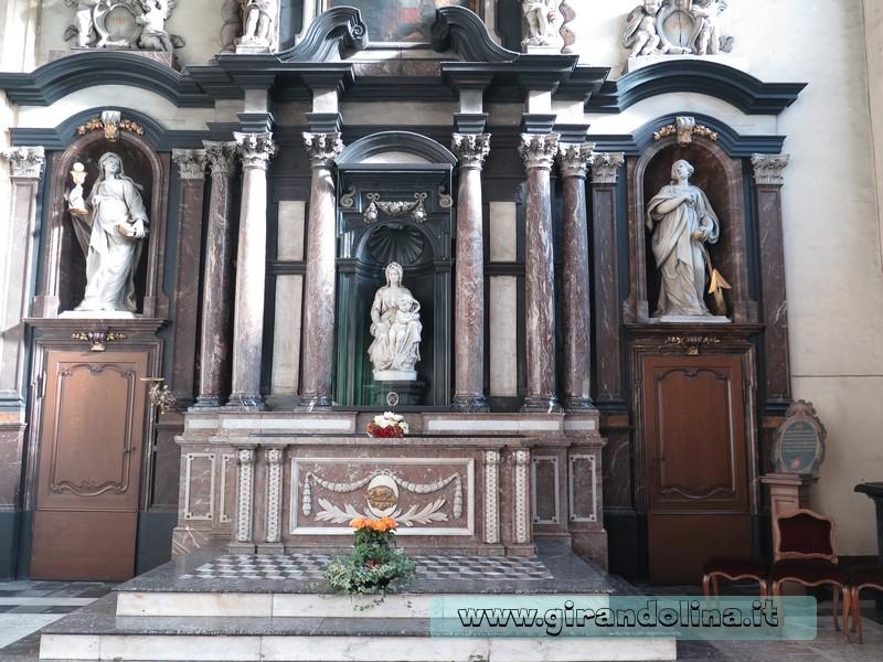 Bruges - La Madonna con il Bambino di Michelangelo