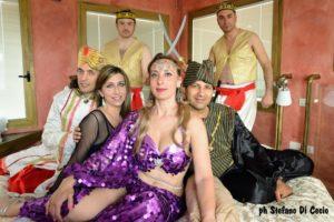 Gli Eunuchi, il Sultano Shahriyar, il Principe Shahzaman, la Dea della Seduzione e Sheherazade