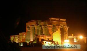 Tempio-KomOmbo-notturna-Egitto