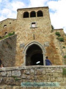 Civita di Bagnoregio, il portone di entrata al borgo