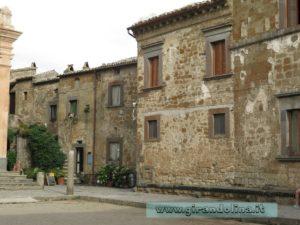Civita di Bagnoregio, la piazza principale del borgo