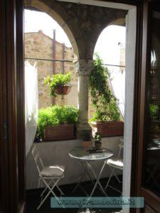 B&B Residenza Farnese, il loggiato della colazione
