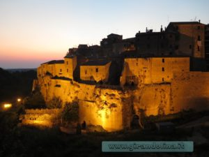 Rocca Farnese al tramonto