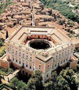 Palazzo Farnese a Caprarola (ph Wikipedia)