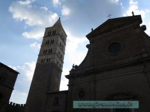Viterbo-Piazza-San-Lorenzo
