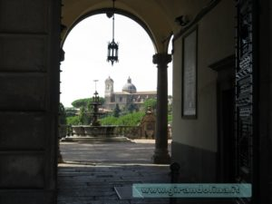 Viterbo ingresso Palazzo Priori