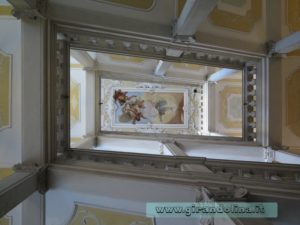 Il Palazzo Arcivescovale, con la scalinata del Tiepolo