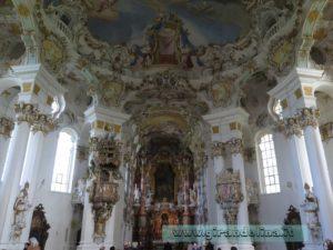 La navata centrale della Wieskirche