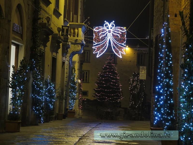 Addobbi natalizi a Pistoia di qualche anno fa