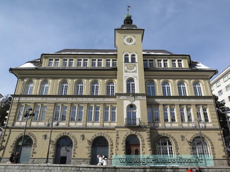 Il Rathaus di St. Moritz