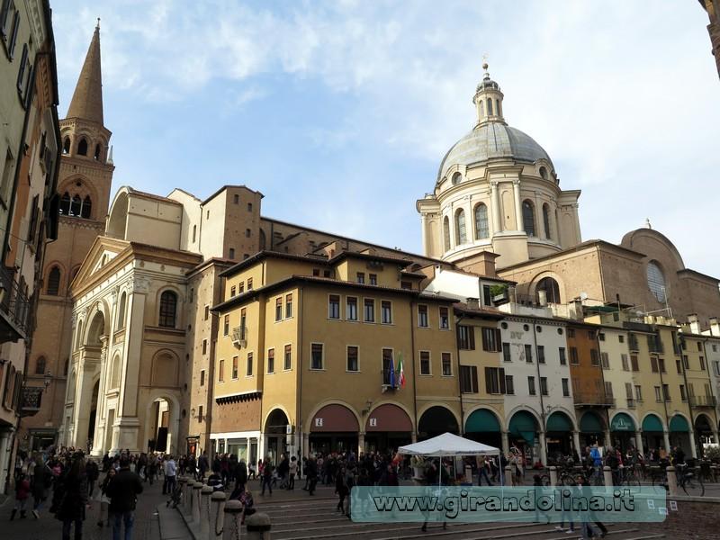 Piazza Erbe Mantova