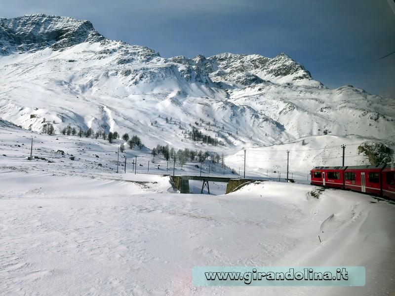 Il Trenino Rosso del Bernina, la stazione di Ospizio Bernina