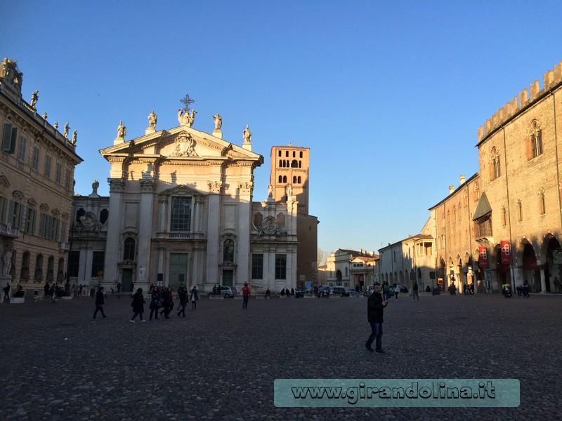 Piazza Sordello Mantova