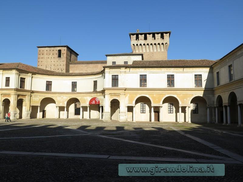 Piazza Castello a Mantova