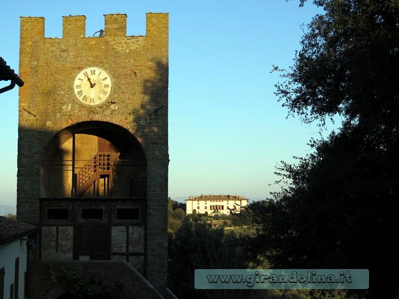 L' entrata al Borgo di Artimino