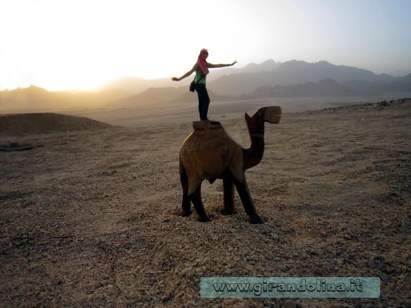 Le foto strambe fatte nel deserto di Sharm El Sheikh