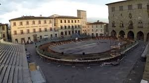 La Giostra dell 'Orso in Piazza Duomo