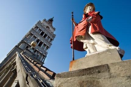 La statua di San Jacopo vestita Luglio Pistoiese (ph wikipedia)
