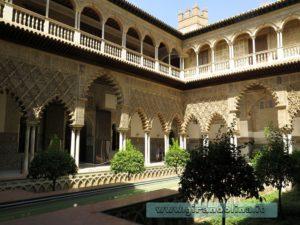 Il Real Alcazar di Siviglia, il Patio de las Doncellas