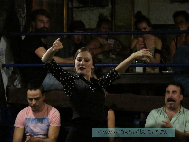 La ballerina di flamenco alla Carboneria di Siviglia