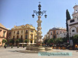 Siviglia Plaza Virigen de los Reyes