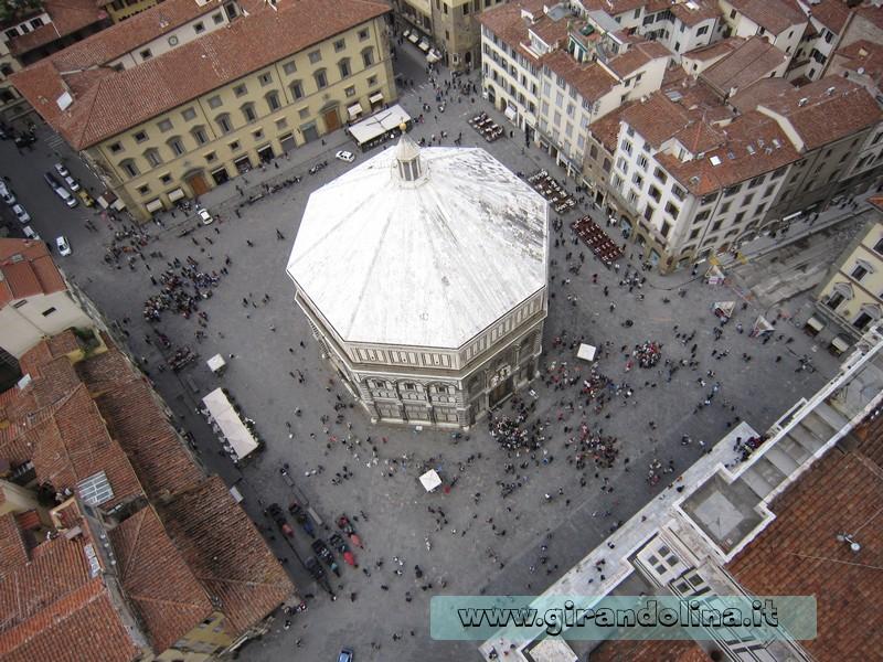 Il Battistero di Firenze vista dall ' alto del Campanile di Giotto
