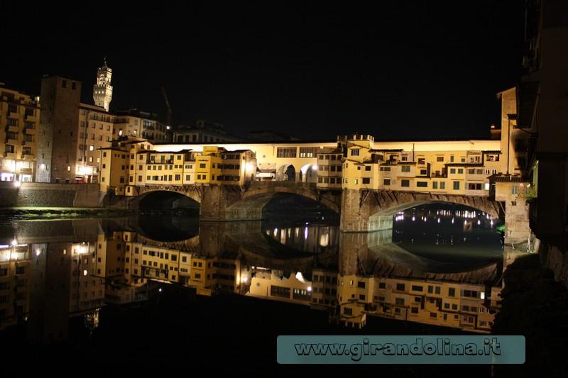 Il Ponte Vecchio di Firenze in notturna