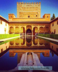Alhambra e il Patio de los Arrayanes.