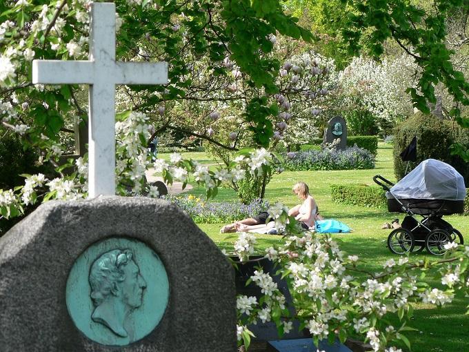 Cimitero Assistens Danimarca (ph skyscanner)
