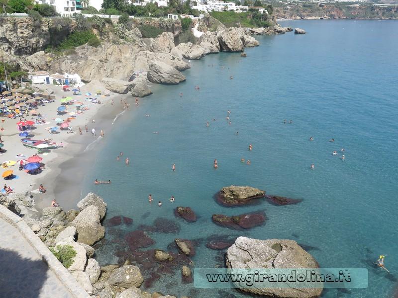 La spiaggia sottostante il Balcone d'Europa