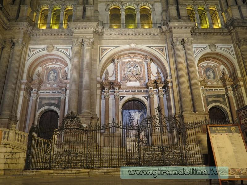 L'entrata alla Cattedrale di Malaga