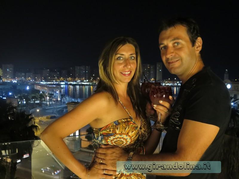 L'aperitivo sulla terrazza di un hotel a Plaza Marina