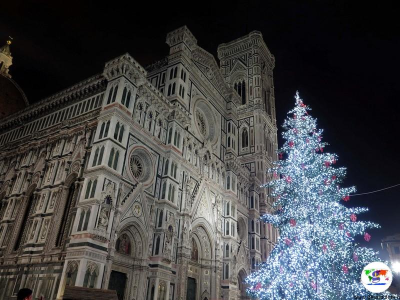 Alberi di natale italiani : L'albero di Natale in Piazza Duomo a Firenze