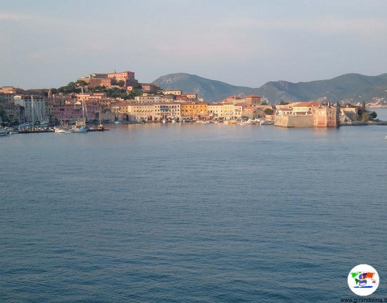 Isola d'Elba e Portoferraio al tramonto