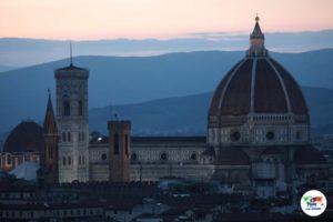 Il Duomo di Firenze al tramonto veduta dal Piazzale Michelangelo